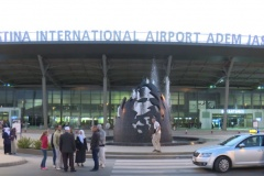 Haxhinjtë kosovarë kthehen nga Meka (VIDEO)